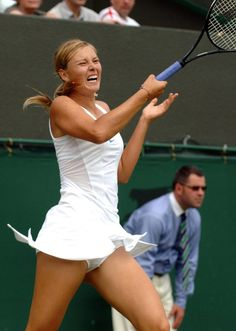 Maria Sharapova at Wimbledon: Maria Upskirt Photo - If you look at Maria's face, it looks like she's about to give birth!