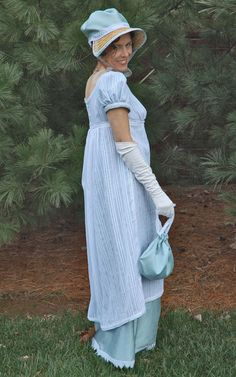 Elizabeth Bennet for a day! Using a Simplicity pattern & web tutorials, it's easy to make a Jane Austin style dress, shoes, hat and bag. Via craftgawker.