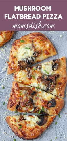 Mushroom Flatbread Pizza is a great option for a weeknight dinner. The mushrooms and three cheese flatbread pizza is so full of flavor that you will love it. Bbq Pizza Recipe, Sausage Pizza Recipe, Gourmet Pizza Recipes, Mushroom Pizza Recipes, Flatbread Pizza Recipes, Grilled Pizza Recipes, Deep Dish Pizza Recipe, White Pizza Recipes, Chicken Pizza Recipes
