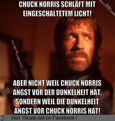 Chuck Norris Schläft Mit Eingeschaltetem Licht