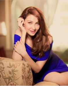 The popular and glorious TV actress is Saumya Tandon of 34 years, she also hosted the Dance India Dance show and Bournvita Quiz contest earlier Indian Wedding Bride, Bridal Wedding Dresses, Dance India Dance, Western Look, New Gossip, Insta Look, Tv Actors, The Fresh, Indian Beauty