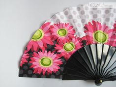 Floral hand fan  black lacquered by Olele on Etsy