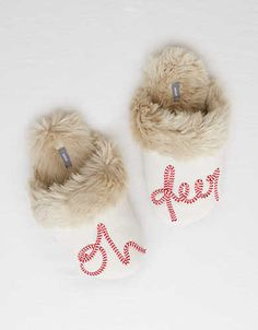 Knitting Pattern // Cabled Hat and Mittens Pattern // Cable Hat Pattern // Hat Knitting Pattern // C Winter Slippers, Cute Slippers, Felted Slippers, Crocheted Slippers, Holiday Pajamas, Mittens Pattern, Oh Deer, Mens Outfitters, Eagle Outfitters