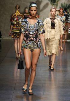 Dolce&Gabbana jumsuit con le stampe delle ceramiche di Caltagirone