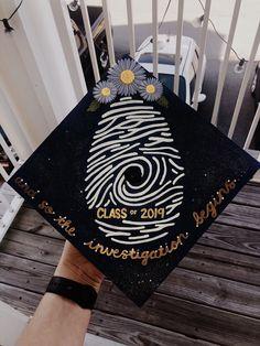 Graduation Cap Images, Graduation Cap Designs, Graduation Cap Decoration, Graduation Diy, Funny Grad Cap Ideas, Graduation Photoshoot, Cap Decorations, Forensics, Fingerprints