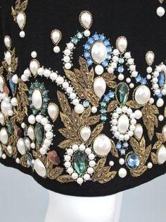 OSCAR DE LA RENTA Black Wool Crepe Dress with Gem Embroidery Size 6