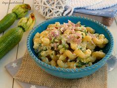 Lapasta zucchine ricotta e cottoè un primo piatto semplice da preparare, che fa parte dei piatti leggeri che sto preparando per la mia dieta!! Sono sempr