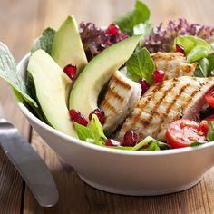 Mittags+steht+ein+Salat+mit+köstlichen+Toppings+auf+dem+Speiseplan+einer+Ballerina