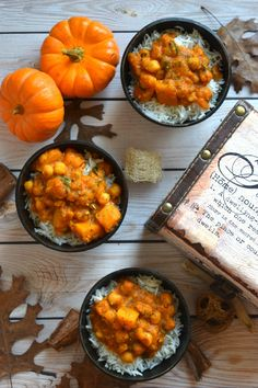 Butternut Squash & Chickpea Thai Curry - Cookilicious - A Red Thai Curry recipe that is super easy to make! Tastier & healthier than takeout. The recipe is vegetarian,vegan made with chickpeas & butternut squash.