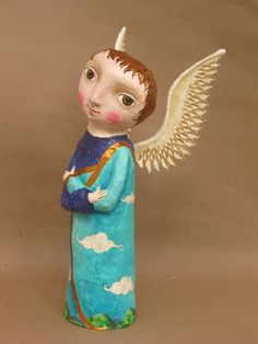 I think this looks like a JY angel - mom ::mauricio perez Paper Mache Clay, Paper Mache Crafts, Clay Art, Pottery Angels, Aesthetic Objects, Handmade Angels, Biscuit, Paperclay, Mexican Folk Art