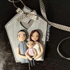 clay family portrait #custom #family #portrait #handmade with #clay #family #familytime #ritratto #quadrettofamiglia #familyportrait