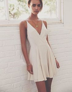 Simple A-Line V-Neck Spaghetti Straps Short Homecoming/Prom Dresses