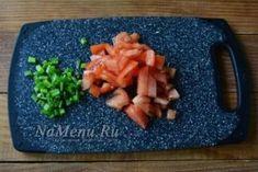 Салат «Минутный» — уже обошел Оливье и Шубу | Всё для Тебя Plastic Cutting Board, Cheese, Kitchen, Food, Lettuce Recipes, Cucina, Cooking, Essen, Kitchens