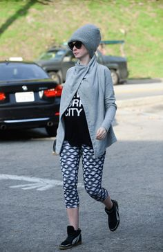 Anne Hathaway's Laid Back Maternity Style