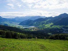 Von Goldau nach Sattel bin ich auf einer abwechslungsreichen Wanderung auf der dritten Etappe des Schwyzer Höhenweg unterwegs. Der Bus, Mountains, Nature, Travel, Flims, Naturaleza, Viajes, Trips, Nature Illustration