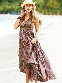 Boho maxi dress and hat. ~ trish  #boho #bohemian #clothes #fashion