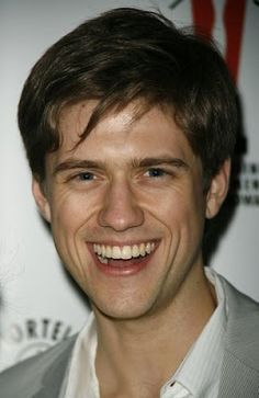 aaron tveit being adorable as only he can :)  <3