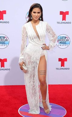 Greeicy Rendon from Latin AMAs Red Carpet Fashion A vision in white! American Music Awards, Beautiful Latina, Beautiful Women, Freakum Dress, Latin Women, Jacqueline Fernandez, Red Carpet Fashion, How To Look Better, White Dress