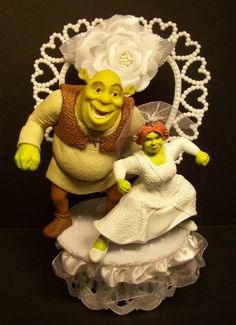 Shrek and Fiona w/White Vail WEDDING CAKE TOPPER FUNNY White Flower and Lace #1