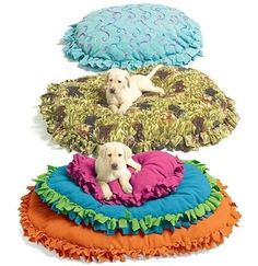 5. Soft and #Cushy - 31 DIY Pet Beds for Your Furry #Friends ... → DIY #Pallet