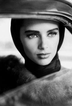 Heather Stewart-Whyte by Dominique Issermann • For Vogue Paris September 1991