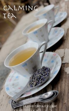 You may feel calm just looking at the picture of this calming tea, A strong lavender tea with lemon balm Tea Recipes, Real Food Recipes, Lemon Balm Tea, Calming Tea, Lavender Tea, Lavender Flowers, Culinary Lavender, Tea Blends, Herbal Remedies