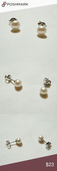 6mm freshwater pearl earrings Stunning stud earrings with dainty white pearls set on silver posts with matching backings. 6mm diameter, cultured, freshwater pearls. Beautiful and elegant. Wild Rose Boutique Jewelry Earrings