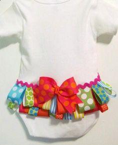 Ruffled buttom, baby girl bodysuit, welcome home baby onesie.. easy diy