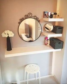Simple and Creative Tricks: Floating Shelf With Pictures Storage how to decorate floating shelves fun.Floating Shelves Modern Open Kitchens how to decorate floating shelves solid wood.Floating Shelves Nursery Home Office. Easy Home Decor, Cheap Home Decor, Vanity Room, Diy Vanity Table, Closet Vanity, Small Bedroom Vanity, Small Vanity Table, Floating Vanity, Makeup Rooms