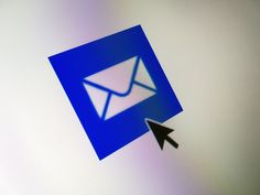 Email works a lot like letter writing and it's just as easy. Find out how to compose a basic email in Windows Mail. Email Writing, Letter Writing, Send An Email, Writing Photos, Best Free Email, Subscribe Newsletter, Mail Marketing, Unique Cards, Note Cards