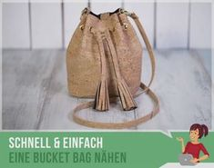 Free sewing pattern for a bucket bag. - Free sewing pattern for a bucket bag. Sew a small bucket bag with these instructions and the patter - Bag Patterns To Sew, Sewing Patterns Free, Free Sewing, Free Pattern, Diy Bags Purses, Purses And Handbags, Sewing Projects, Sewing Tutorials, Handmade Bags