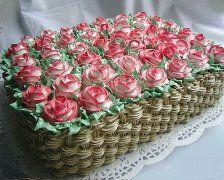 Amazing basket of roses cake! Gorgeous Cakes, Pretty Cakes, Cute Cakes, Amazing Cakes, Cake Icing, Buttercream Cake, Eat Cake, Cupcake Cakes, Cake Decorating Techniques