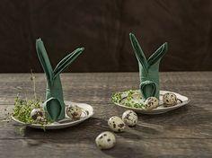 DIY-Anleitung: Servietten-Osterhasen falten, Serviettentechnik / Easter decoration for the Easter brunch: how to fold napkins via DaWanda.com