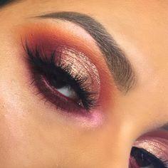 Trying this half cut crease crazeee ..swipe for deets✨ • @stilacosmetics 'Rose Gold' magnificent metals liquid eyshadow• @meltcosmetics 'Love Sick' and 'Rust' stack (antiqued + love sick) and Nood Lipstick• @starcrushedminerals 'Crimson Rose' • @katvondbeauty 'Alchemist' palette (pink opal) to highlight• @maccosmetics 'Beet' lip pencil in waterline• @anastasiabeverlyhills Dipbrow 'Medium Dark' • #halfcutcrease