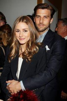 Olivia Palermo in den Armen ihres Liebsten Johannes Hübl bei der Filmvorführung von Pain  Gain in New York City.