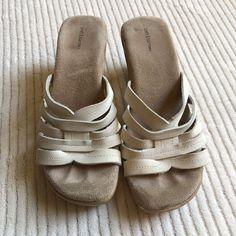 f03f5e450e4 Croft   Barrow Slip On Sandal Heels Off White Strappy Leather Upper Size 6M  15
