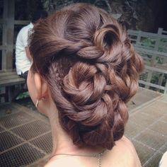 Prewedding bridal updo, bride Li Yen #bride #updo