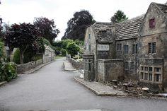 https://2.bp.blogspot.com/-59bpX-XPC3Y/UXVnRQfhKRI/AAAAAAAAls4/vaM_RYjv4FE/s640/Bourton-on-the-Water+Model+Village+Bourton+Cotswolds+Gloucestershire+1.jpg