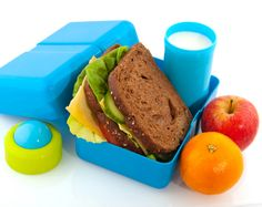 A healthy lunch, using some of the 7 ideas listed for kids lunch boxes, keeps kids focused and gives them the nutrition they need during their school day. Snack Boxes Healthy, Healthy Packed Lunches, Lunch Snacks, Healthy Eating, Healthy Food, Healthy Nutrition, Healthy Schools, Healthy Kids, Packed Lunch Ideas For Adults