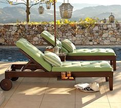 DIY Outdoor Chaise Lounge - LOVE IT! I would make a back rest on both ends so that I only have to swap the cushion on the chaise to catch morning AND afternoon sun. Backyard Furniture, Diy Outdoor Furniture, Outdoor Decor, Diy Furniture, Furniture Plans, Rattan Furniture, Furniture Storage, Furniture Projects, Rustic Furniture