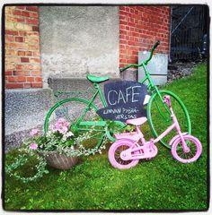 Värikkäät puutarhapyörät pääsivät tänään Verstaan eteen