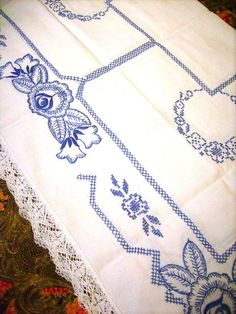 Vintage Tablecloth Set with Napkins Embroidered by stbthreadworks