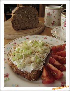 domácí chleba a Lučina