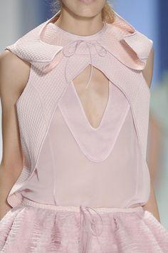 Vera Wang Spring 2012 - Details.