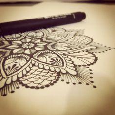 Desenho / drawing / esboço / sketch / mandala / pontilhismo / pointillism