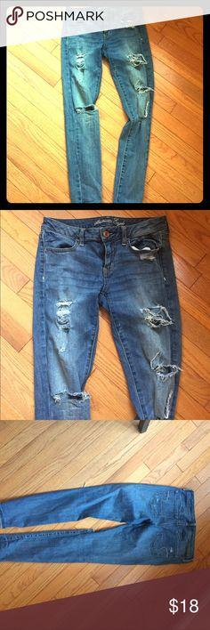 American Eagle jeggings American Eagle distressed stretch leggings. Size 6 American Eagle Outfitters Jeans Skinny