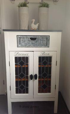 Old leaded glass windows cupboard - kastje van oude glas in lood ramen
