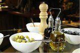 Olivový olej je pre svoje skvelé vlastnosti neoddeliteľnou súčasťou kuchyne v Taliansku, Grécku, Španielsku a ďalších krajinách. Prečo používať olivový olej