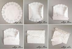 Des enveloppes en dentelle pour vos faire-part