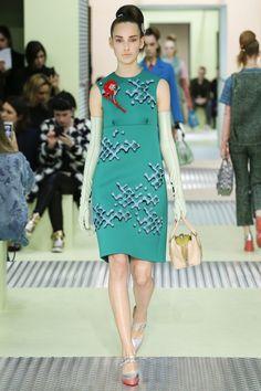 Prada Autumn/Winter 2015-16  - Shows - Fashion. Sleeveless green dress